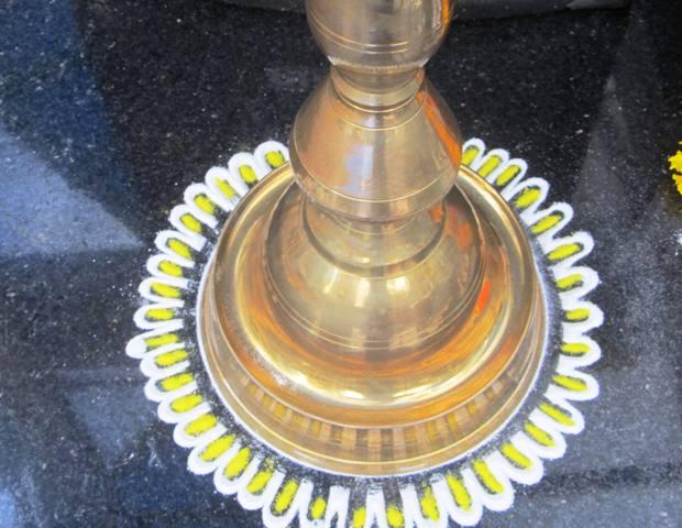 Rangoli-for-Pooja-around-samaya